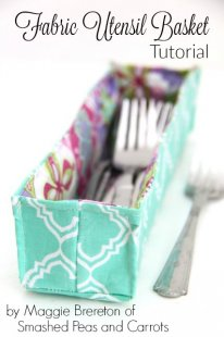 effortless Fabric Utensil Basket Tutorial // SmashedPeasandCarrots.com